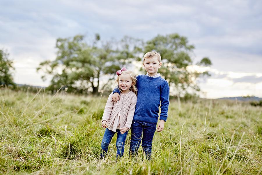 DAYFOTOGRAFI-familjefotografering_utomhus2